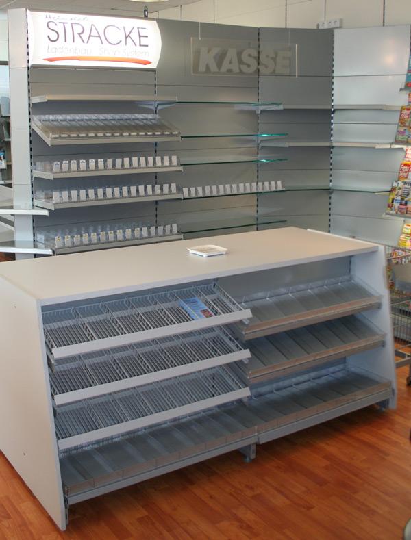 ausstellung stracke ladenbau tegometall service center. Black Bedroom Furniture Sets. Home Design Ideas